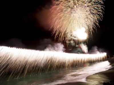 熱川温泉海上花火大会