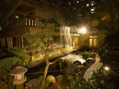 庭園(夜)①
