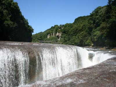 吹割りの滝