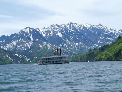 奥只見湖(遊覧船)