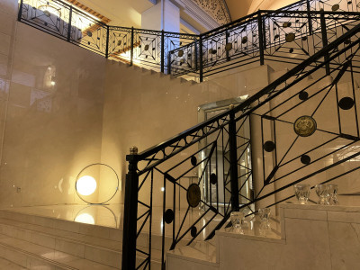 ロビー 階段