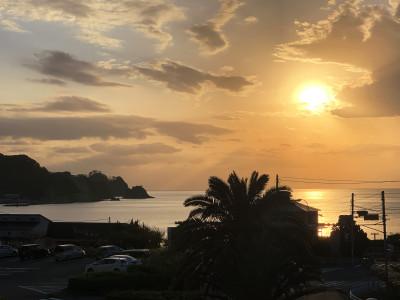 ホテルから眺める夕日
