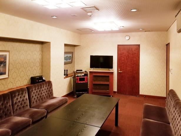 個室カラオケルーム