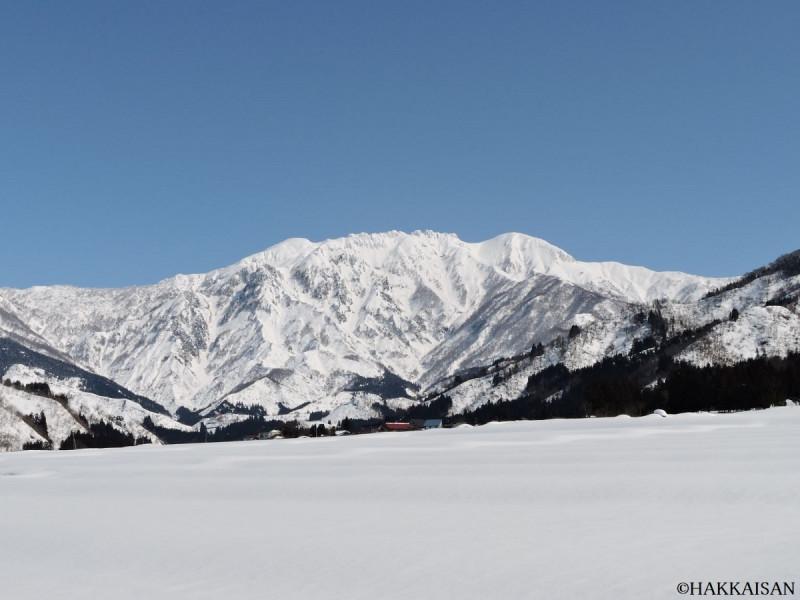 魚沼の霊峰「八海山」の雪化粧をした姿をぜひご覧ください