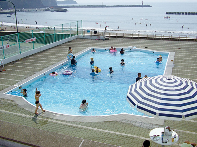 屋外温泉温水プール